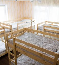 Кровать в 8-ми местном мужском номере