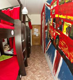 Кровать в общем четырехместном номере