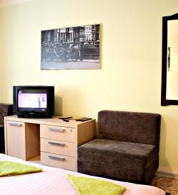 Семейный номер с возможностью заселение до трех человек и ТВ