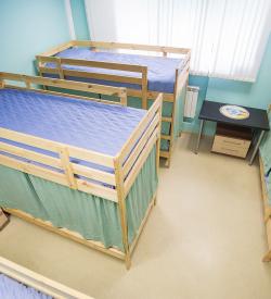 Кровать в женском номере