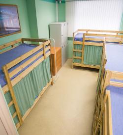 Кровать в мужском номере