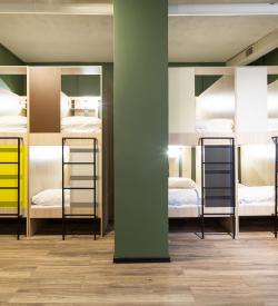 Капсульная кровать  в общем  номере