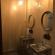 N5 - Кровать в мужском 10 местном номере с собственным душем и санузлом